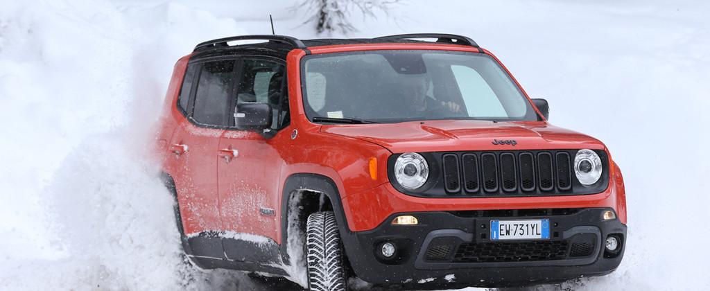 jeep-renegade-2015-sneeuw-272417-1024