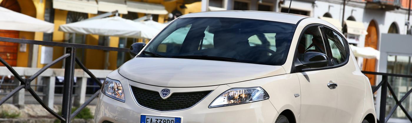 150921_Lancia_Nuova-Ypsilon_16