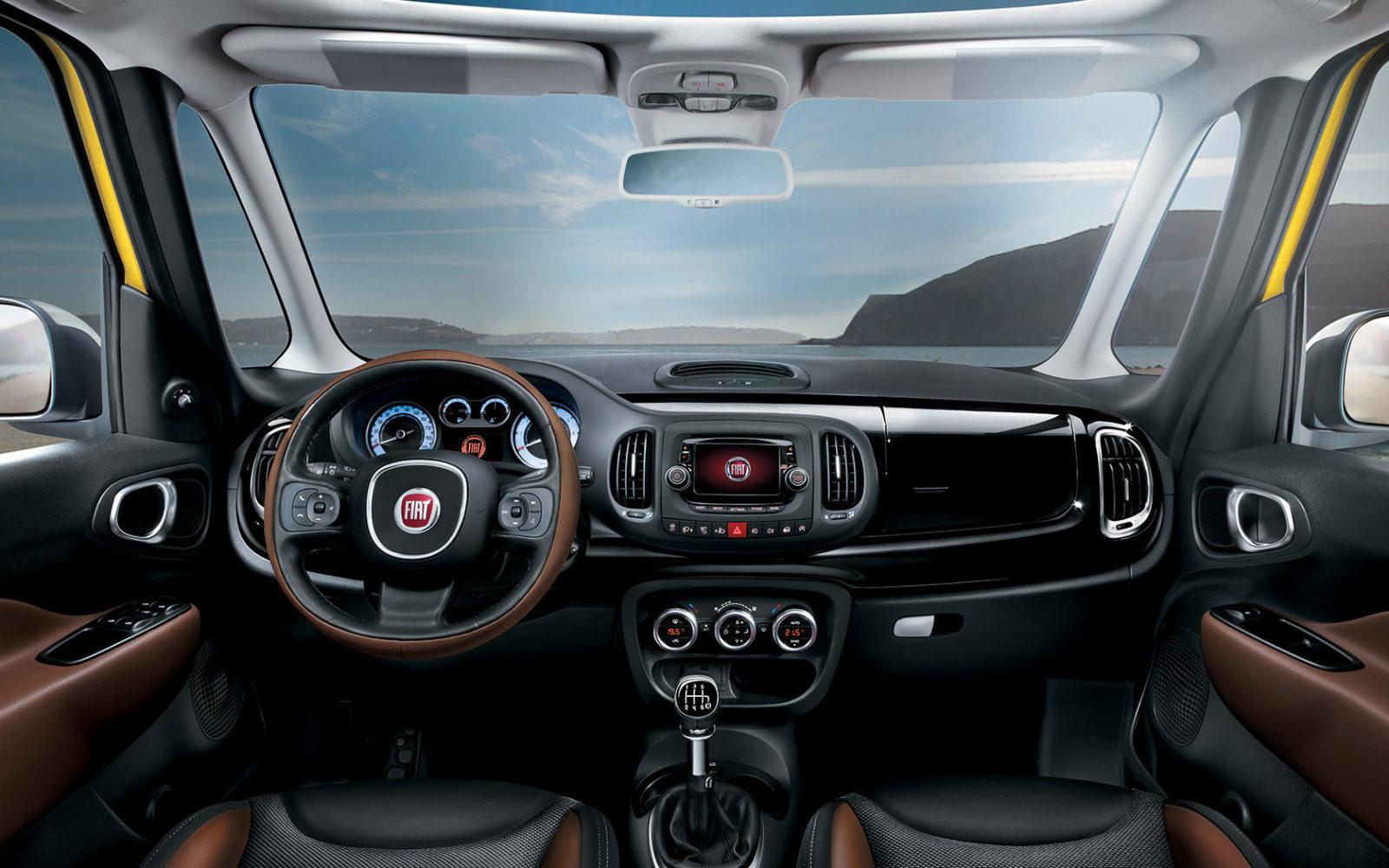 Dashboard van de Fiat 500L Trekking