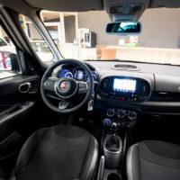 De Fiat 500L geeft een ruimtelijk gevoel.