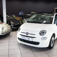 De Fiat 500C is een charmante cabrio.